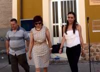 El párroco, Don Manolo, la alcaldesa Argelina Deza y la Presidenta Rebeca Otero